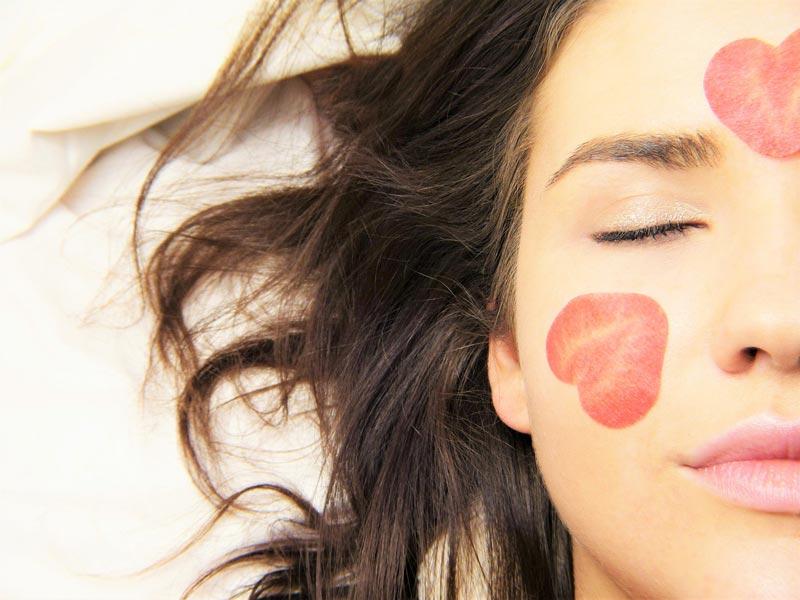 cómo curar el acné del rostro naturalmente