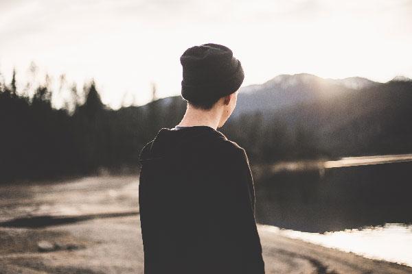 Cuáes son los cambios en los hombres en la adolescencia