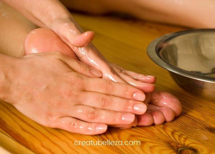 Cómo poner aceite en los pies y cuales son los Beneficios - Crea tu Belleza